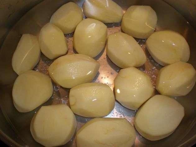 papaspequeaspeladas1 - Gratinado de coliflor con papas